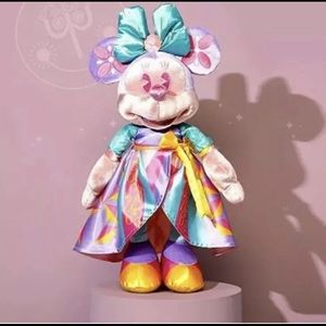 Minnie Main Attraction April Plush